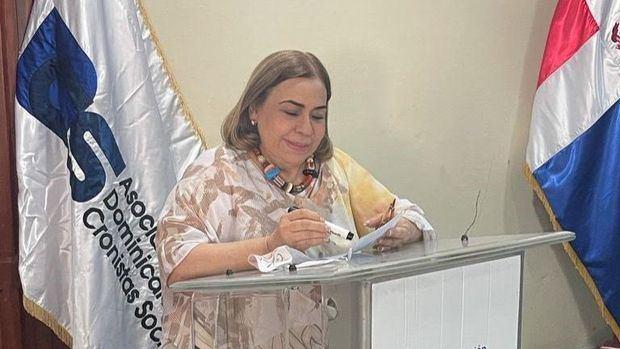 Mirna Pimentel gana elecciones Asociación Dominicana de Cronistas Sociales
