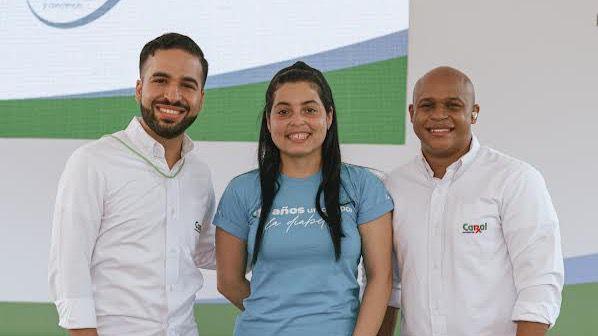 Carlos Cruz, Meleny Cabral y Darling Mota.