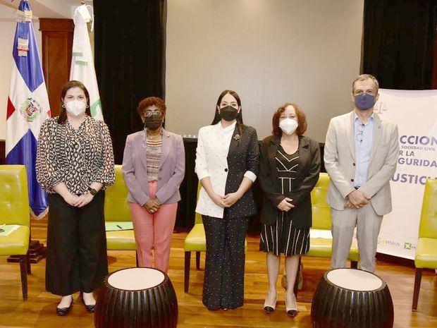 Participación Ciudadana realiza mesa de diálogo sobre trata de personas en la República Dominicana