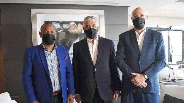 Gilberto García, Miguel Vargas y Antonio Acosta durante el encuentro.