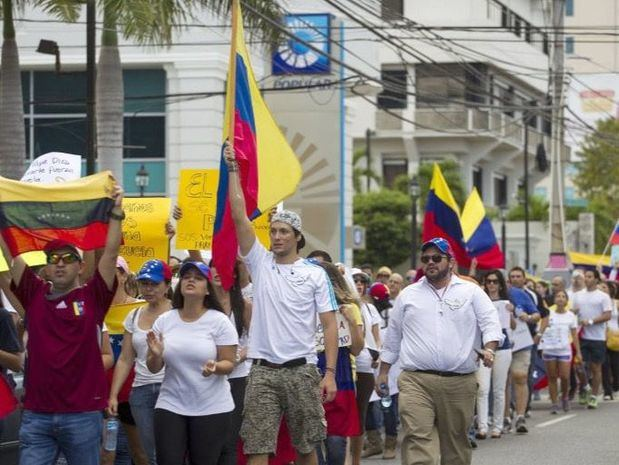 Inauguran exposición fotográfica sobre venezolanos tras amenazas de boicot
