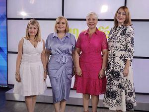 Gianna Batista, Rommy Grullón, Gina Grullón e Iluminada Chevalier.
