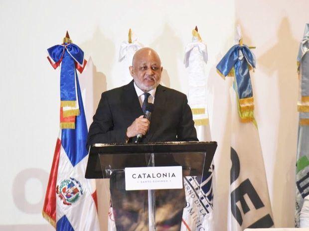 Roberto Fulcar propone un nuevo paradigma en la formación docente