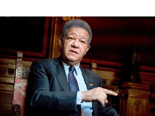 El expresidente de la República Dominicana Leonel Fernández durante la entrevista con EFE.
