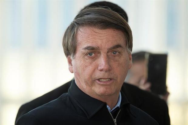 Jair Bolsonaro condena el ataque a periodista y dice que la violencia es