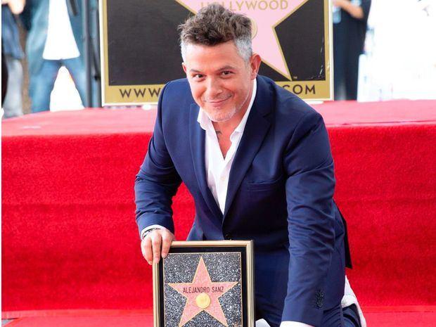 Alejandro Sanz inaugura su estrella en Hollywood: