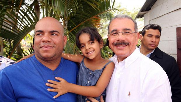 Danilo felicita a los padres; los exhorta a criar sus hijos en ambiente de paz y armonía