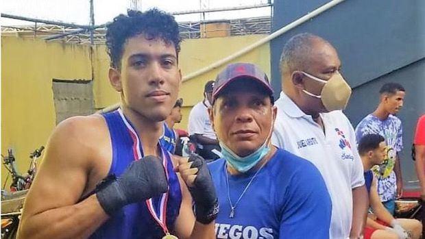 Asociación de Boxeo de Santiago sigue preparación de atletas para evento élite nacional federado