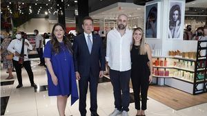 Sandra Infante,Victor Bisono Haza,Alejandro Constantinau y Georgia Sofou.
