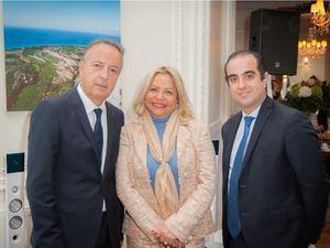 Sr. Jean Pierre Bel, expresidente del Senado francés, Rosa Hernández de Grullón, embajadora dominicana en Francia y Sr. Dimitri Foundoukidis.