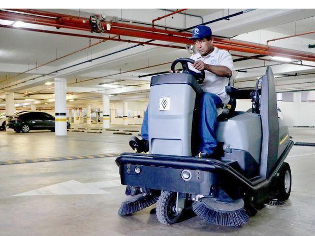 Empresas dominicanas introducen tecnología de limpieza para evitar contagios