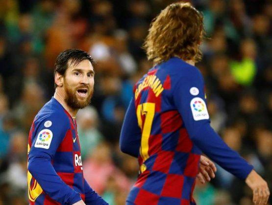Barcelona resurge en Granada con explosión de Messi y Griezmann.