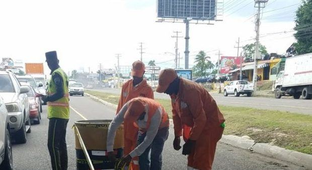 Obras Públicas asegura habilita área que colapsó el jueves autopista Duarte