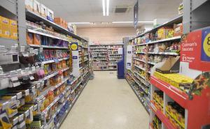 Fotografía de archivo que muestra un pasillo de comestibles en un supermercado de Estados Unidos.