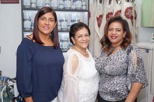 Yamile Encarnacion, Carmen Flores y Viloriz Vegazo.
