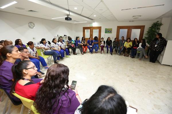 Profesionales y familiares son instruidos en trato a niños y niñas con epilepsia y parálisis cerebral
