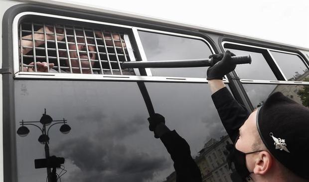 Más de 25 detenidos en un acto de la oposición rusa en Moscú