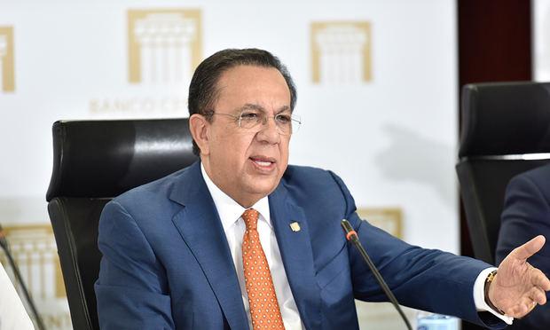 Hèctor Valdez Albizu, gobernador del BCRD.