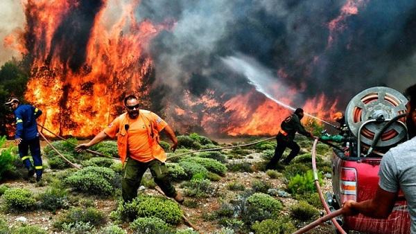 Asciende a 79 la cifra de muertos por incendios en Grecia
