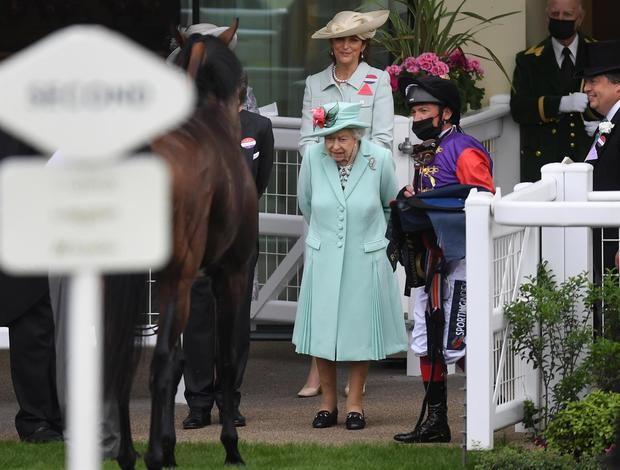 Isabel II acude a las carreras de Ascot por primera vez desde 2019.