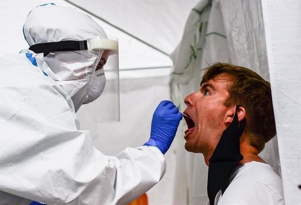 La incidencia semanal en Alemania sube hasta 95,6 con 17.482 nuevos contagios