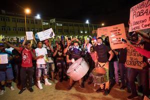 Cientos de dominicanos fueron registrados este lunes al protestar en la Plaza de la Bandera, para exigir la renuncia de la Junta Central Electoral (JCE), en Santo Domingo (República Dominicana).