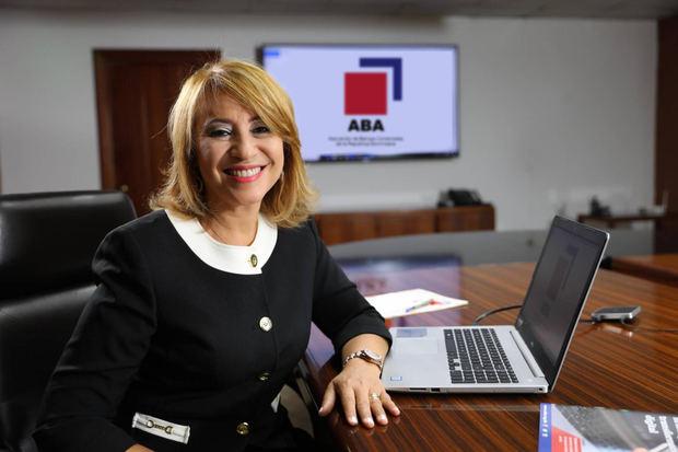 Bancos ajustan horario de servicios presenciales