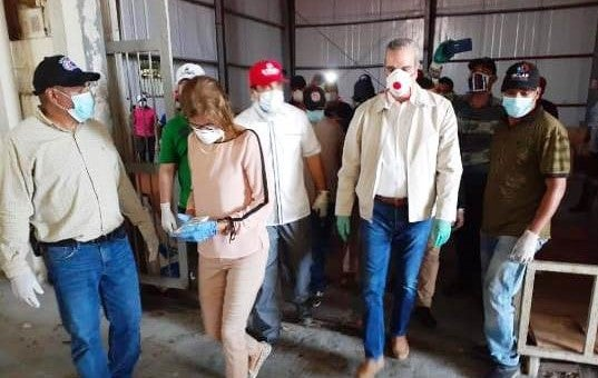 candidato presidencial del PRM, Luis Abinader, inició el 'gran operativo nacional' de reparto de alimentos a través de las Iglesias católica y evangélica.