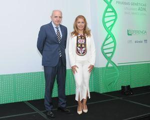 Manuel Crespillo Márquez y Eileen Riego.