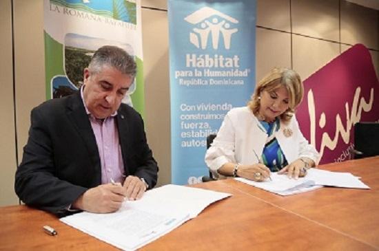 Hoteleros La Romana-Bayahibe y Hábitat para la Humanidad RD firman acuerdo