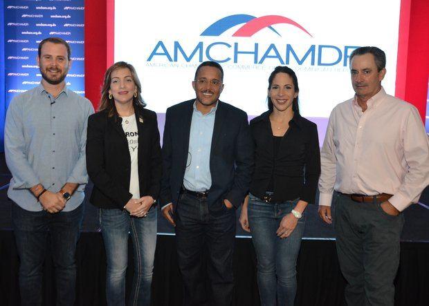 Gabriel Gutiérrez, María Walesca Álvarez, Ramón Ortega, Vivian Peña y William Malamud.