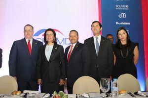 Magín Díaz, Margarita Cedeño, Ramón Ortega, Roberto Herrera y Francesca Rainieri.