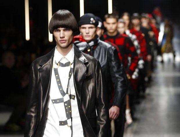 Modelos de Versace en Milán.