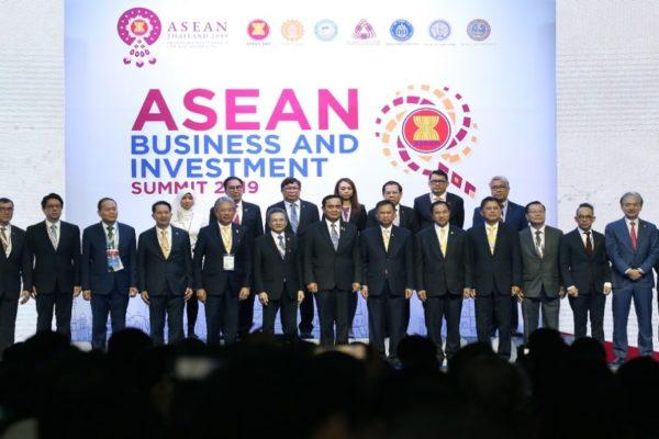 La cumbre de ASEAN arranca con el foco centrado en un megatratado comercial.