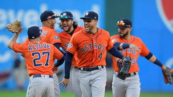 Astros barren con paliza a Indios en serie divisional Liga Americana