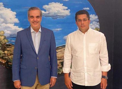 Presidente electo Luis Abinader junto al ex-Alcande por el Distrito Nacional, David Collado.