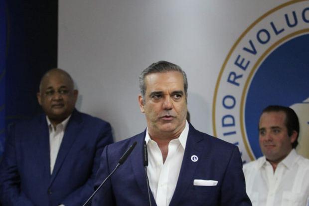 candidato presidencial del Partido Revolucionario Moderno (PRM), Luis Abinader, planteó este miércoles al liderazgo nacional celebrar una cumbre para abordar las emergencias por el coronavirus.