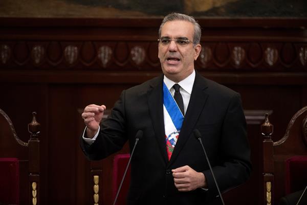 El presidente Abinader pide a Haití parar las obras del Masacre