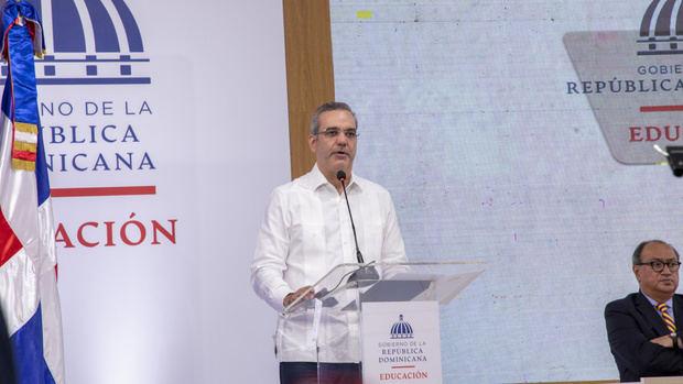 Presidente exhorta países iberoamericanos unir esfuerzos para acabar brecha digital y lograr el siglo del conocimiento