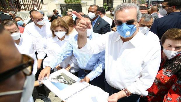 Presidente Abinader deplora deterioro Gran Teatro del Cibao