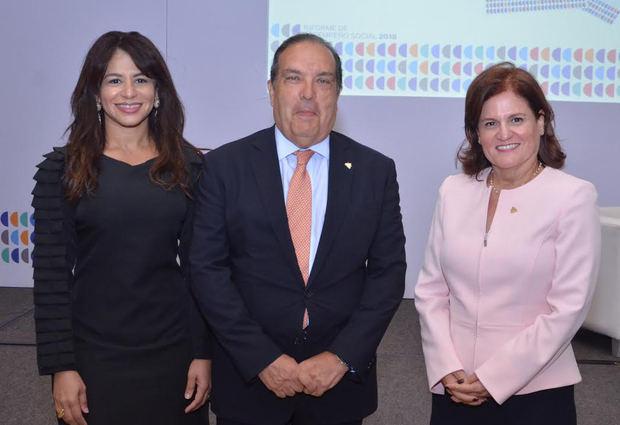Awilda Alcántara, José Antonio Colomer y María Antonia Esteva.