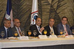 Gabino José, subdirector DGA, Ángelo Viro, Enrique Ramírez, Miguel Dahuajre y Andrés Espinal.