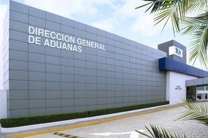 Fachada renovada de la Dirección General de Aduanas.