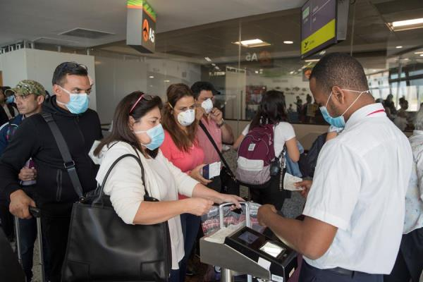 Las autoridades sanitarias dominicanas informaron este viernes de seis nuevos casos de coronavirus confirmados en el país, con lo cual ya son once los pacientes que han dado positivo a las pruebas realizadas por esta enfermedad..