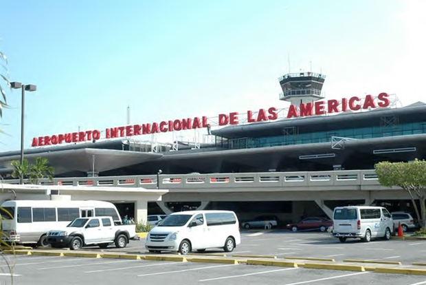 Retornan al país dominicanos varados en México por el coronavirus