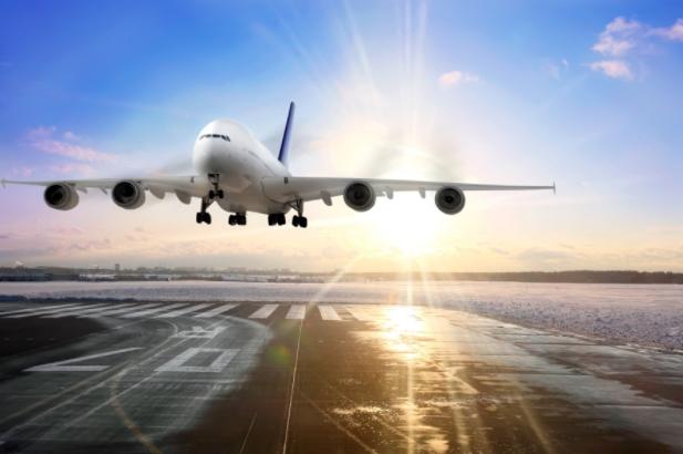"""Pereyra: Ataques a nuevo aeropuerto son """"una bola de humo"""" sin sustento legal."""