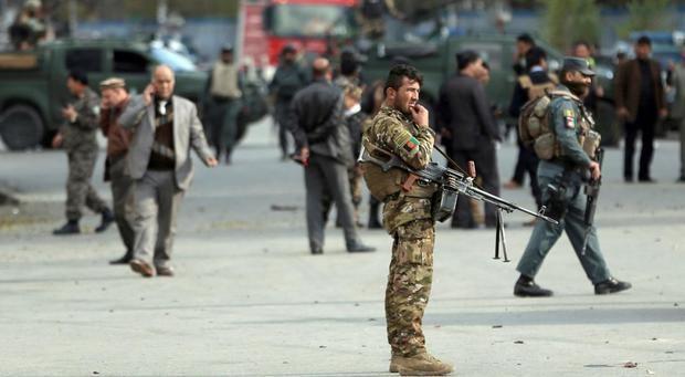 Más de 100 muertos en enfrentamientos entre los talibanes y fuerzas afganas