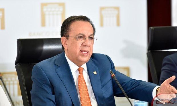 El gobernador del BCRD, licenciado Héctor Valdez Albizua, resaltó su valor en el marco de la Gran Gala del Inversionista organizada por el CEIRD.