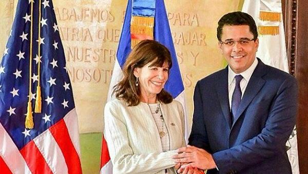 Alcalde del Distrito Nacional recibe visita oficial de la nueva Embajadora de Estados Unidos en el país