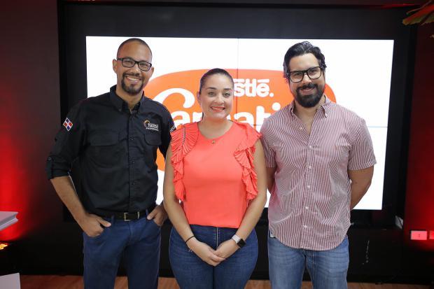 Alexander Cabral, Liliana Ríos y Emil Fernández